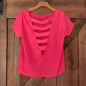 Silk pink T-shirt with detailed back!